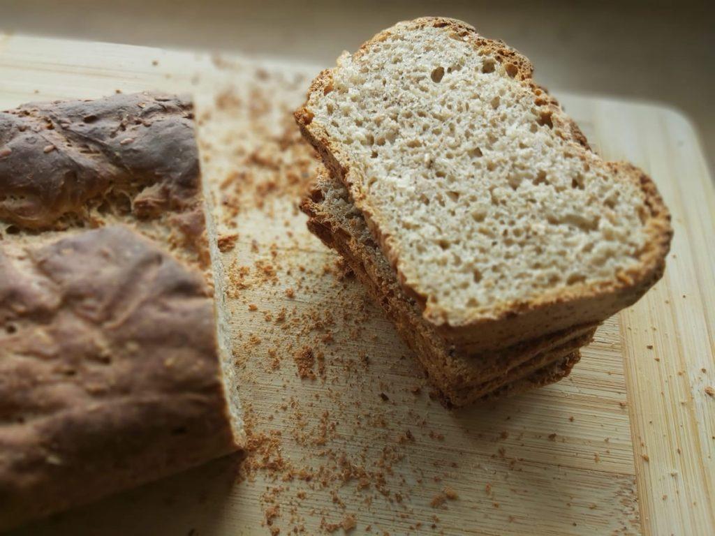 domwoy chleb na zakwasie i drożdżach