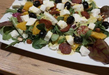 salatka-z-chorizo_top